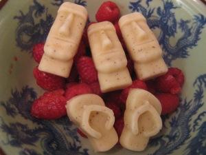Golden kiwi fruit and coconut milk frozen treat with organic raspberries Photo by Kimberley (c)2014